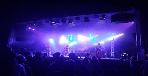 Strandvilla live on mainstage @ Kommz Festival 08/17